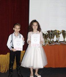 """Русенски деца се върнаха с награди от националния конкурс за млади изпълнители """"Песенна палитра"""""""