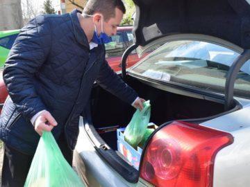 Кметът на Община Русе бе доброволец в разнасянето на топъл обяд за самотноживеещи възрастни хора