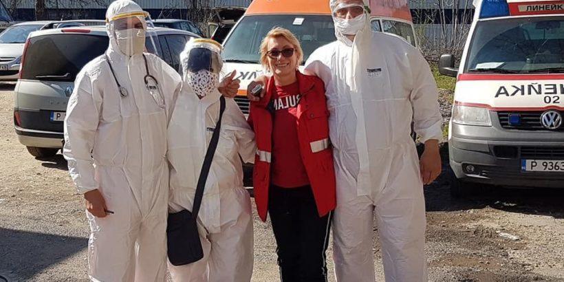 КНСБ-Русе дари предпазни маски на работещите в Спешна помощ в града