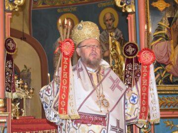 Света литургия на Томина неделя в престолния Русе