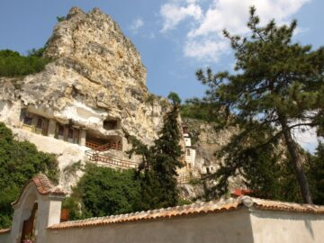 Заупокойна света литургия ще има на 2 май в Басарбовския манастир