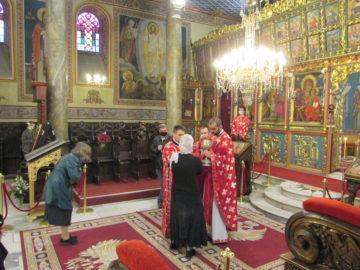 Русенският митрополит Наум приветства вярващите на Цветница