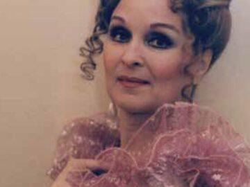 """Виолета Шаханова получи награда """"Русе"""" за високи постижения в изкуството днес"""