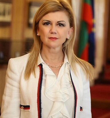 Народният представител Светлана Ангелова: Приемете моите сърдечни поздрави по повод светлия християнски празник Гергьовден !
