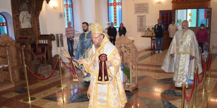 """Празнична света литургия в храм """"Всях Светих"""""""