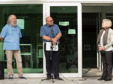 """Зам. - кметът Енчо Енчев откри изложбата """"Врати в пространството"""""""