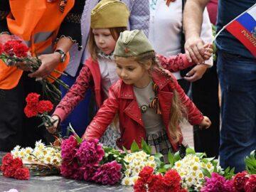 Четвъртокласничка от СУЕЕ отличена в конкурс за руския Ден на победата