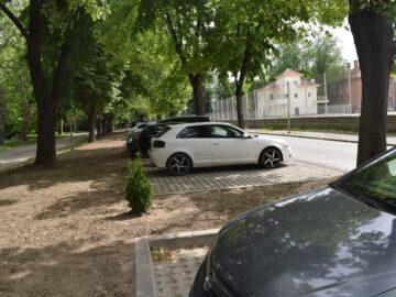 """275 паркоместа са изградени по ул. """"Алеи Възраждане"""" в нова обособена зона за паркиране"""