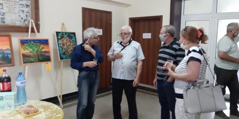 """Изложба на Кънчо Кънев бе открита в Народно читалище """"Св. св. Кирил и Методий 1919"""""""