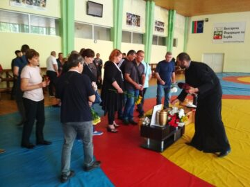 """Русе и """"Юнак - Локо"""" се простиха днес с треньора по борба Георги Станев, да е светла паметта му!"""
