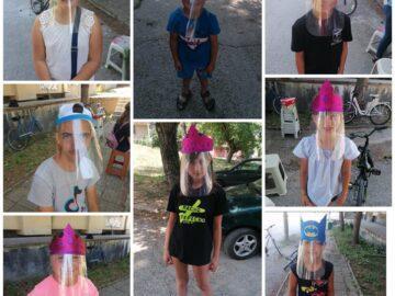 Деца изработваха предпазни шлемове в Две могили