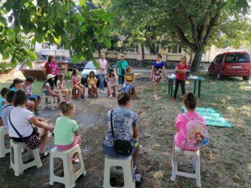 """Поредното практическо занятие от Лятната програма за работа с деца от община Две могили бе на тема """"Първа долекарска помощ"""""""