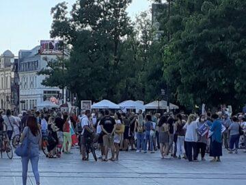 За шеста поредна вечер в Русе бе организиран протест с шествие с искане за оставката на правителството и на главния прокурор