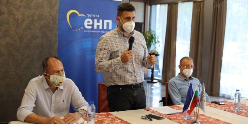 Евродепутатът Андрей Новаков в Русе: Помощта от ЕС във всички направления трябва да стигне до България бързо