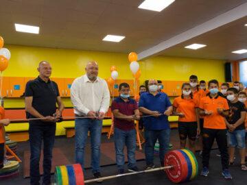 """Министър Красен Кралев откри обновената тренировъчна зала на Тежкоатлетически спортен клуб - Русе в СК """"Ялта"""""""