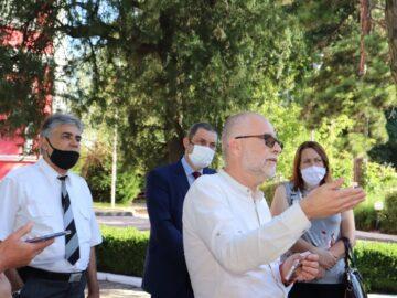 професор Олег Асенов