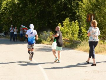 20 километра след началото на днешния пробег, Владимир Ставрев премина в района на с. Новград