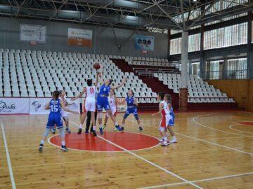 """2 победи за момичетата на СКБ """"Дунав - Русе- 2016"""" днес"""