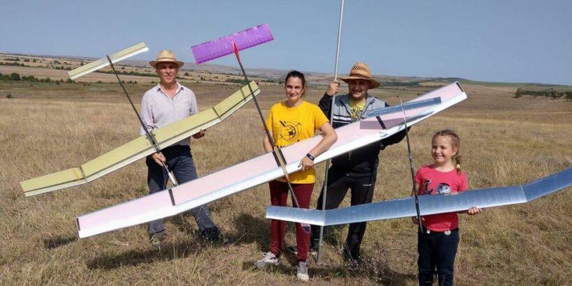 """Отлично представяне на ученици от ОУ """"Иван Вазов"""" на националното първенство по авиомоделизъм за магнитни планери -"""