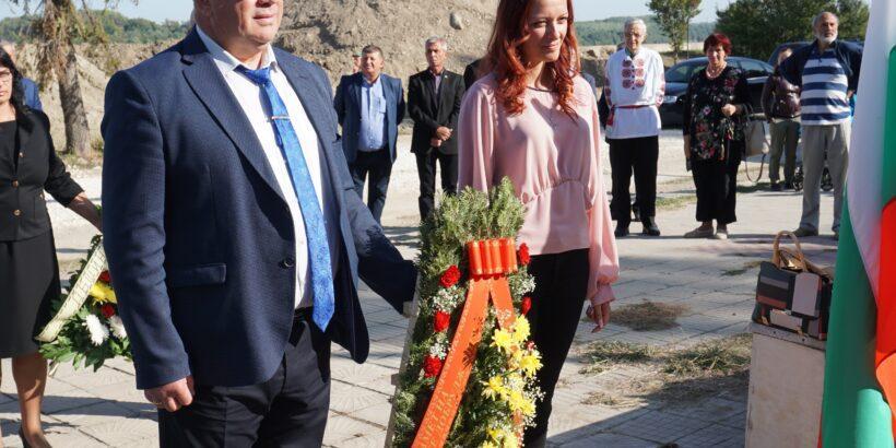 Зам. - кметът Енчо Енчев почете 80-годишнината от възвръщането на Южна Добруджа към Отечеството