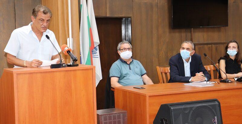 Зам. - областният управител Свилен Иванов призова всички институции да спазват ангажиментите си и не допускат замърсяване на русенския въздух