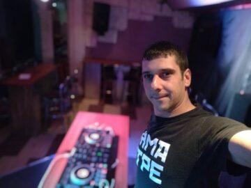 Заповядайте на втората диско вечер с DJ EK