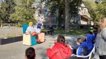 """Кукленият театър гостува на Дневен център за деца с увреждания """"Милосърдие"""""""